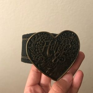 ⭐️MAKE OFFERS! Tommy Hilfiger leather heart belt